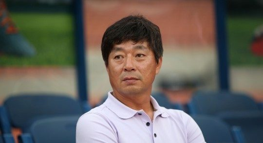 Can the new Gangwon FC coach help improve the team?