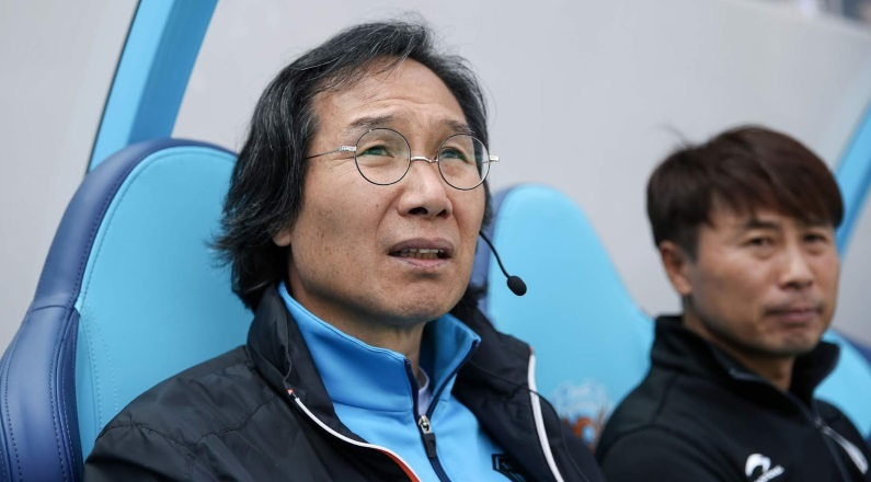 Pohang Steelers terminate their Head Coach