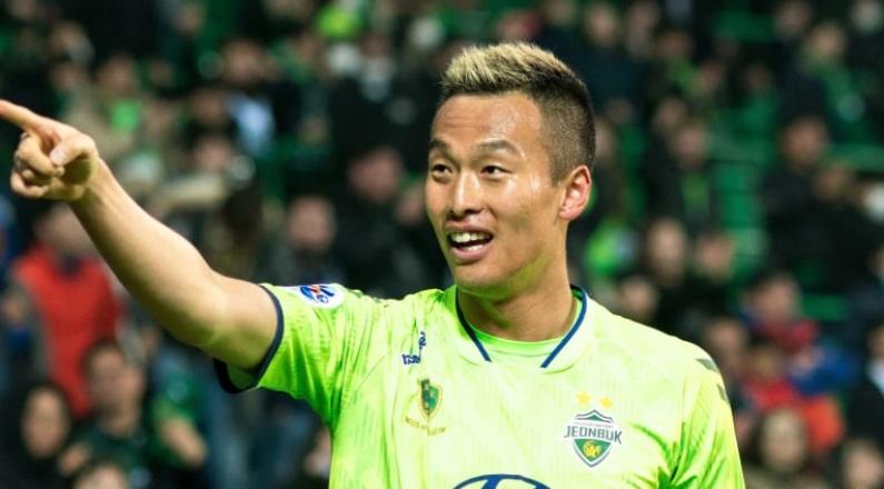 한국 축구 선수 김신욱 중국에 간다