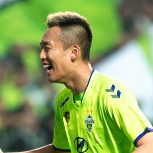 Korean footballer Kim Shin-Wook goes to China