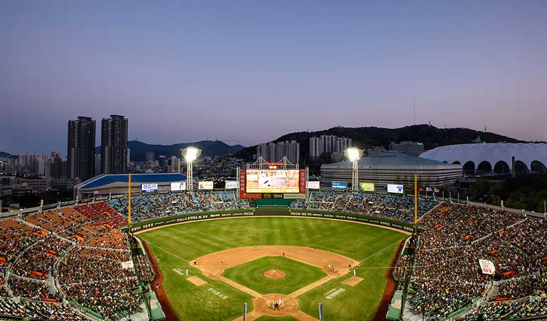 Hanwha Eagles and Lotte Giants – Who Will Be the Biggest Loser?