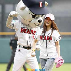 Doosan Bears Manager Happy with 2 New Foreign Pitchers
