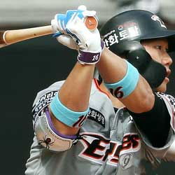 Hanwha Eagles Shortstop Returns from Injury with Clutch Hit