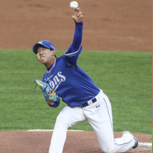 Samsung Lions' Rookie Pitcher Heo Yun-dong wants a Long Career