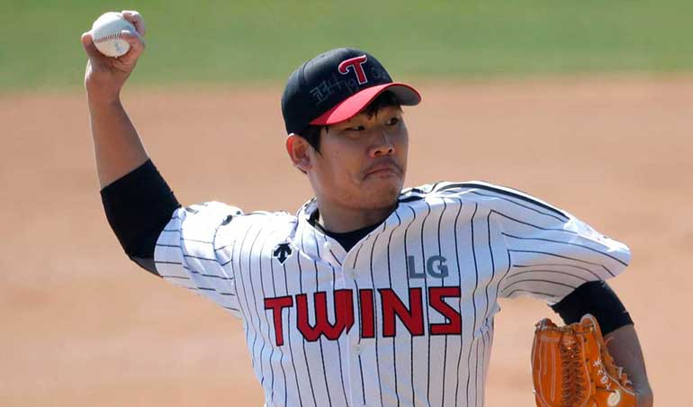 LG Twins and Doosan Bears Meet in the KBO Playoffs