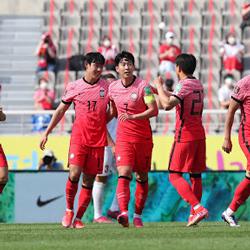 대한민국은 월드컵 최종예선에서 답보다 질문이 더 많습니다